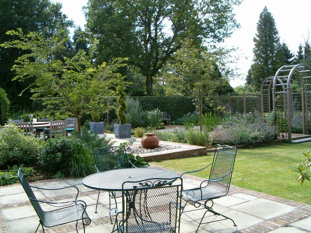 Find your garden style outdoor creations for Country style garden designs